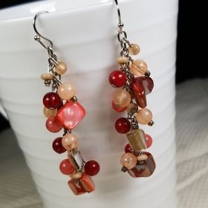 Red/Pink/Tan Dangling Beaded Earrings 🐝